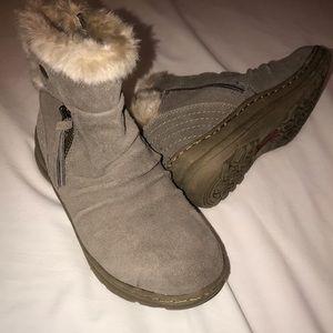 Baretraps fur-lined brown ankle boots